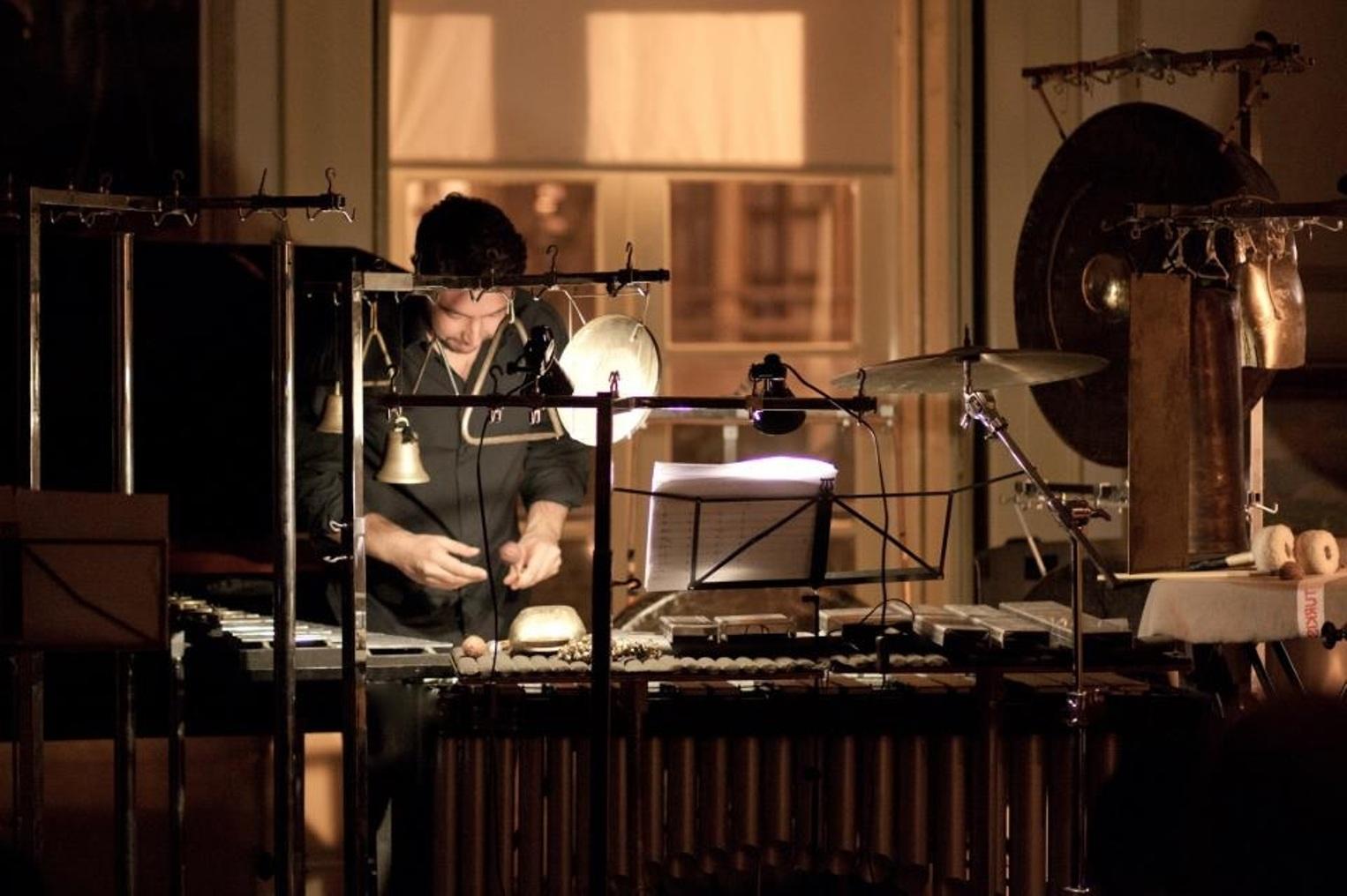 Nuno Aroso – Solo percussió i electrònica