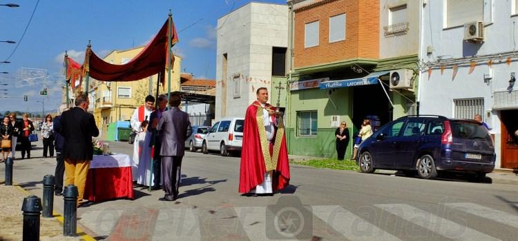 Comença el dia de Santa Creu a la Torreta de Canals