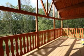 Brandywine log home wood porch