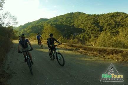 Rumbo a Candonga en Bicicleta de montaña