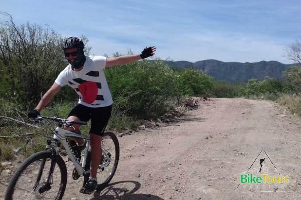 Pedaleando por el Valle del Rio Pinto