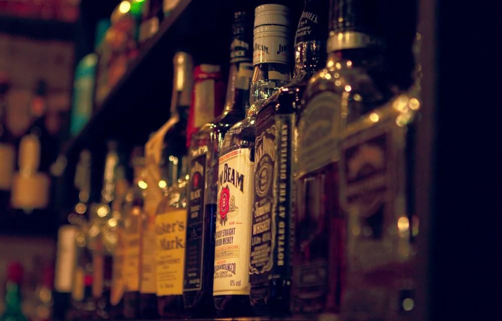 Vendita e somministrazione di bevande alcoliche: nuovo obbligo di licenza fiscale per le attività escluse – modalità di presentazione della denuncia fiscale all' Agenzia delle Dogane entro il 31 dicembre 2019