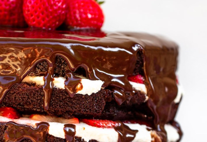 Strawberries And Cream Chocolate Cake Confessions Of A Baking Queen
