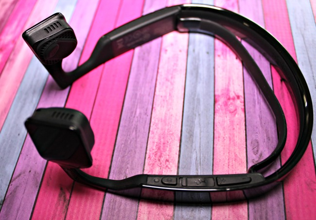 The Bluez 2S AfterShokz wireless bone conduction headphones allow you to listen to music while still being able to hear what is going on around you making them a fantastic (And safe) choice for fitness activities like runners, cycling and more.