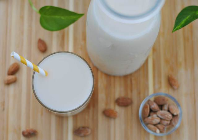 Homemade Almond Milk | Confessions of a Midnight Baker
