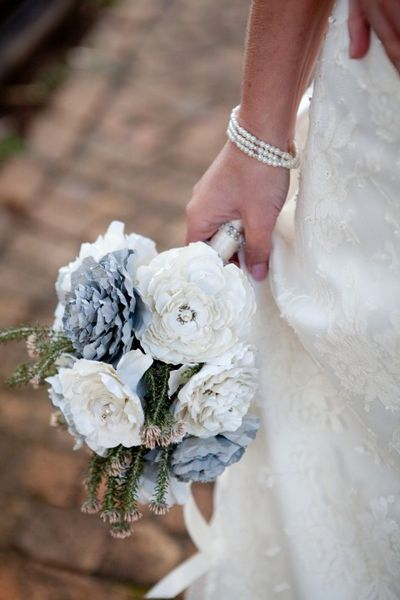 How To Make Your Own Wedding Flower Bouquet Real Or Fake Flowers