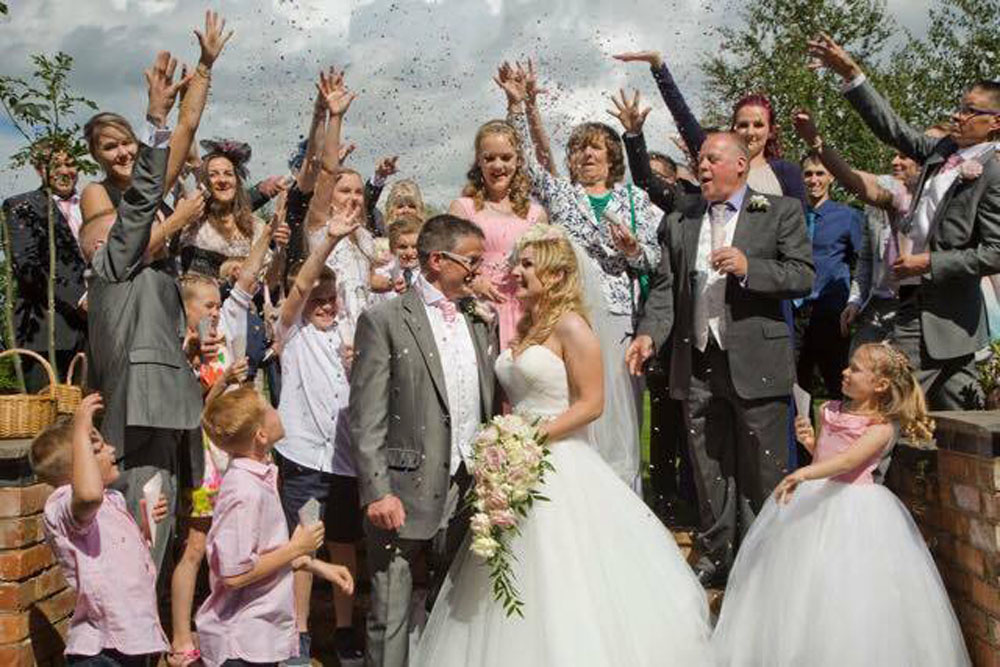 Flower girl baskets - the confetti moment