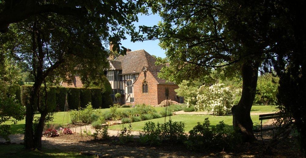 wyke manor gardens and chapel