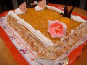 Tarta de Hojaldre, Crema y Yema
