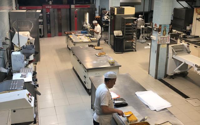 obrador de la pastelería Maxi