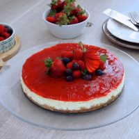 Cheesecake con salsa alle  fragole