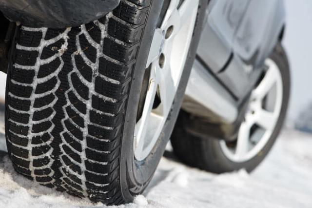 Snow on tyres