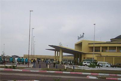 https://i1.wp.com/www.congoplanet.com/pictures/news/aeroport_ndjili_kinshasa_congo.jpg