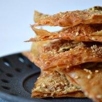 Crujientes de Pasta Filo y Parmesano