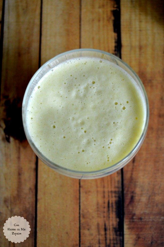 Smoothie de Té Verde,  Apio y Piña