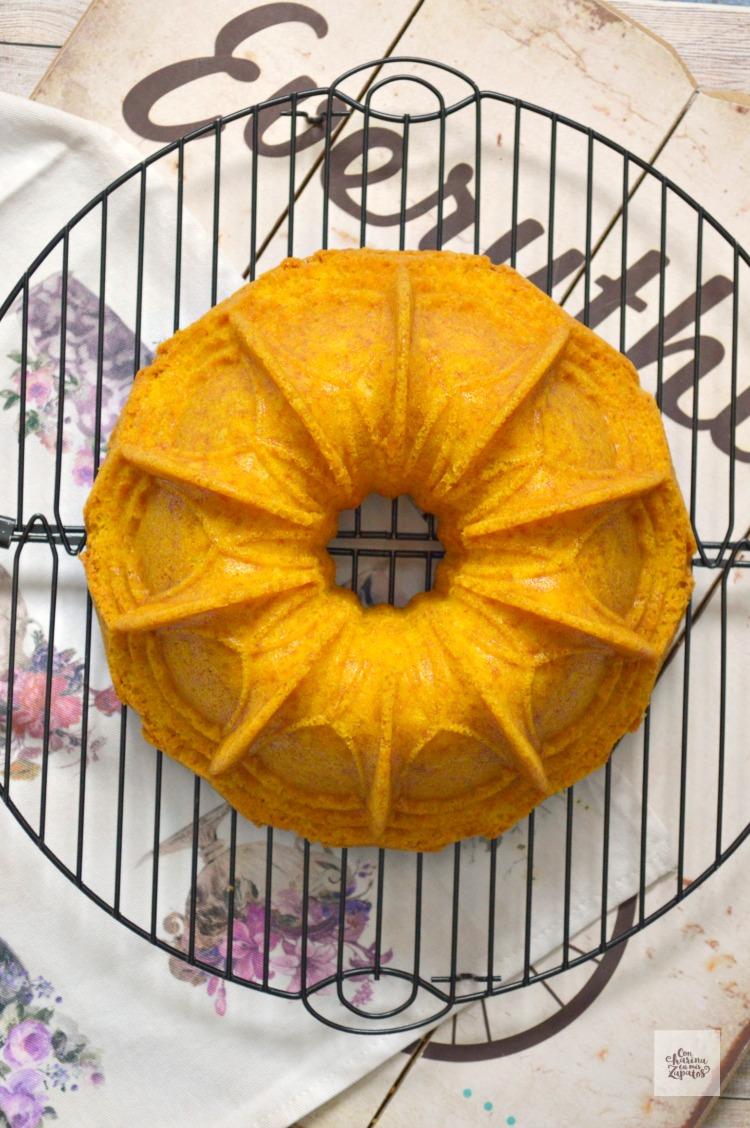 Bundt Cake de Azafrán | CON HARINA EN MIS ZAPATOS