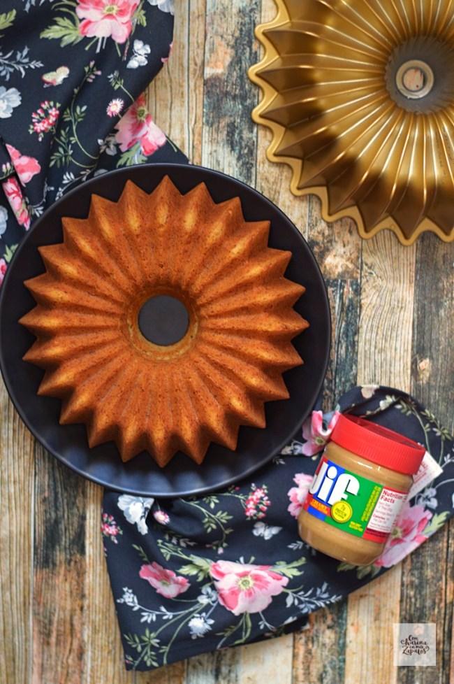 Bundt Cake de Plátano y Mantequilla de Cacahuete   CON HARINA EN MIS ZAPATOS