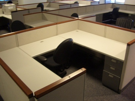 Steelcase Used Cubicles And Wokrstations Available In NYC