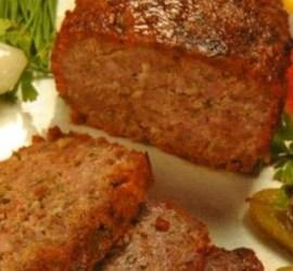 Pan de carne con panceta ahumada mayonesa con hierbas
