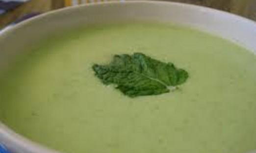 Sopa de melón y albahaca