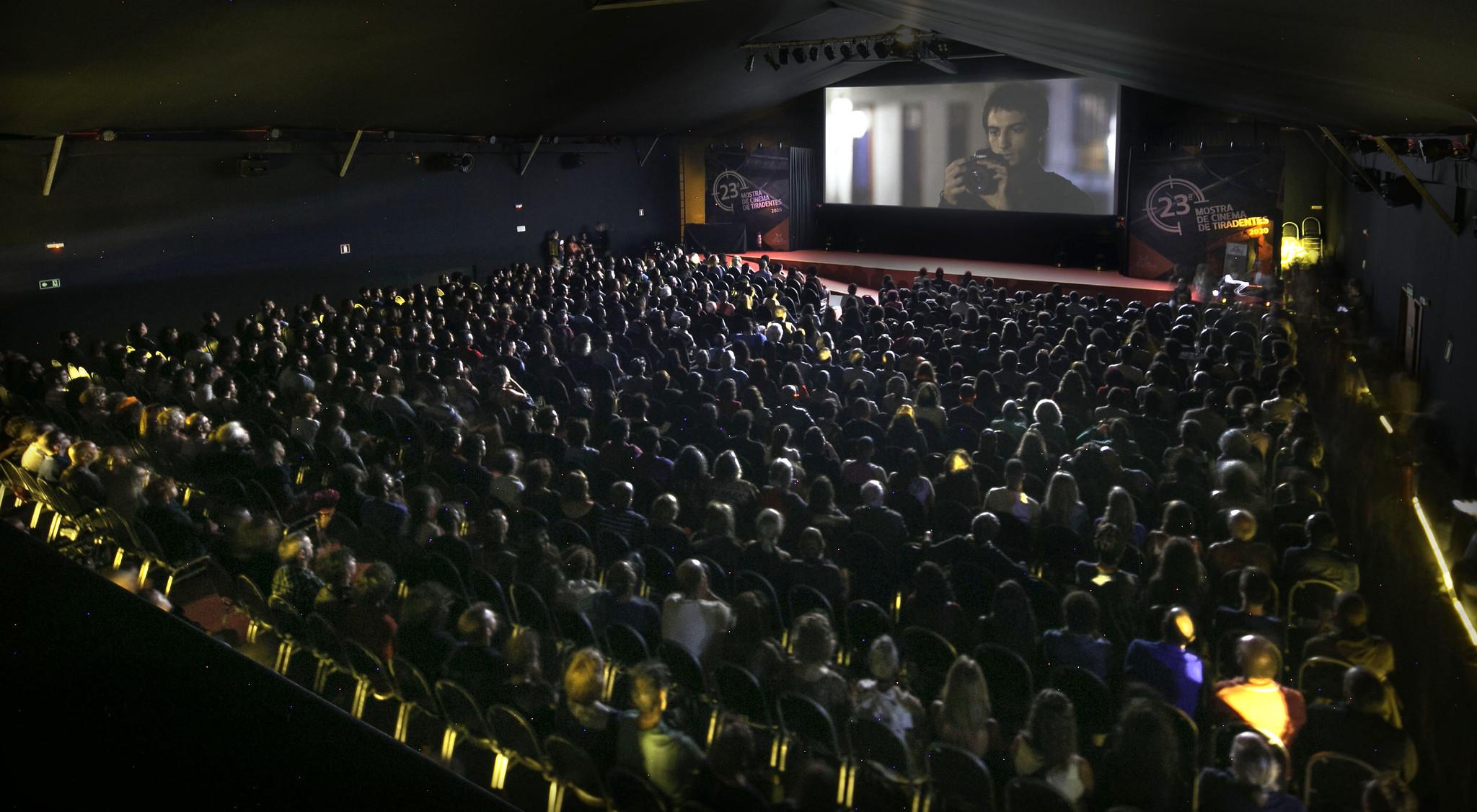 MOSTRA DE CINEMA DE TIRADENTES 2020 (01): LA IMAGINACIÓN EN TIEMPOS DE CRISIS