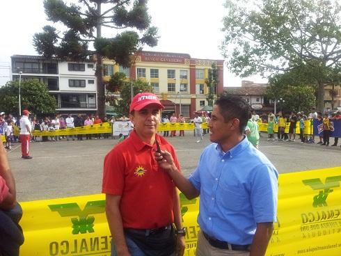 D. IMER Ramón Cendoya es entrevistado por el D. Acuario Televisión Oscar Noguera