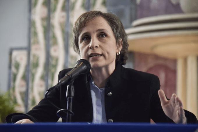 Aristegui denuncia