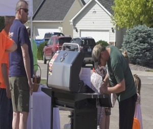 """Summerset community, local businesses come together for free """"SummerFest"""" Barbecue"""