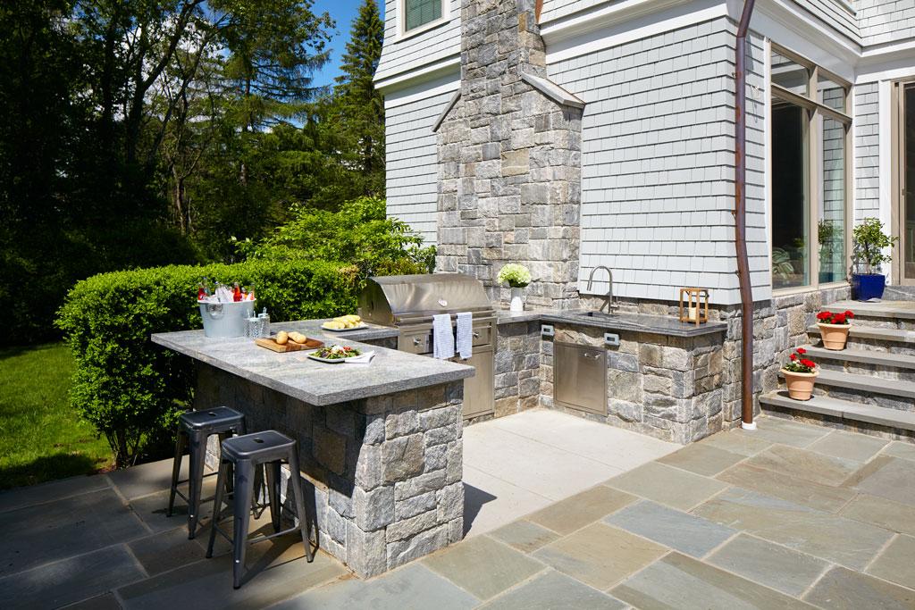 choosing stone veneer for outdoor bbq