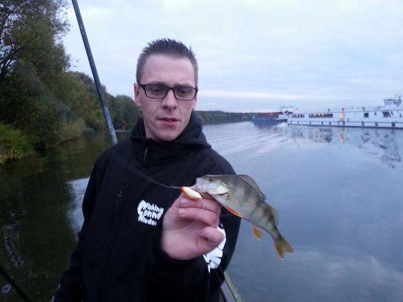 Sven mit einem Topwaterbarsch