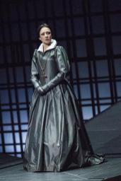 Maria Stuarda, Teatro alla Scala (2008). Photo credit: Marco Brescia