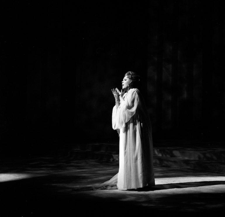 Renata Scotto Orfeo ed Euridice 1968 ph Erio Piccagliani