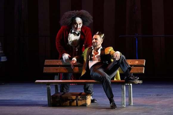 Enea Scala è il Duca di Mantova nel Rigoletto allo Sferisterio di Macerata - Photo credit: Tabocchini