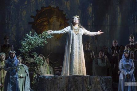 Maria José Siri interpreta Norma al Teatro San Carlo di Napoli - Photo credit: Francesco Squeglia