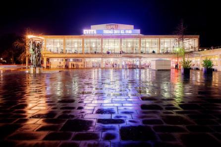 Esterno della Malmö Opera - Photo credit: Werner Nystrand