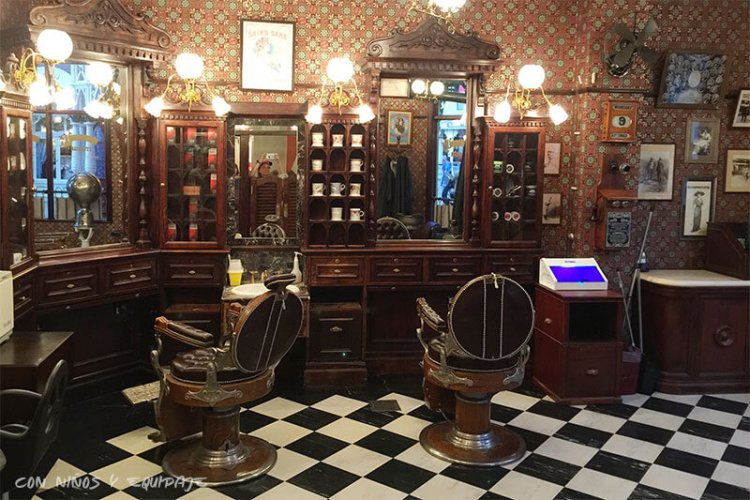 Curiosidades y Misterios de Disneyland París - Barbería