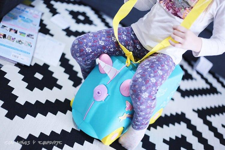 nueva maleta Trunki Unicornio para sentarse