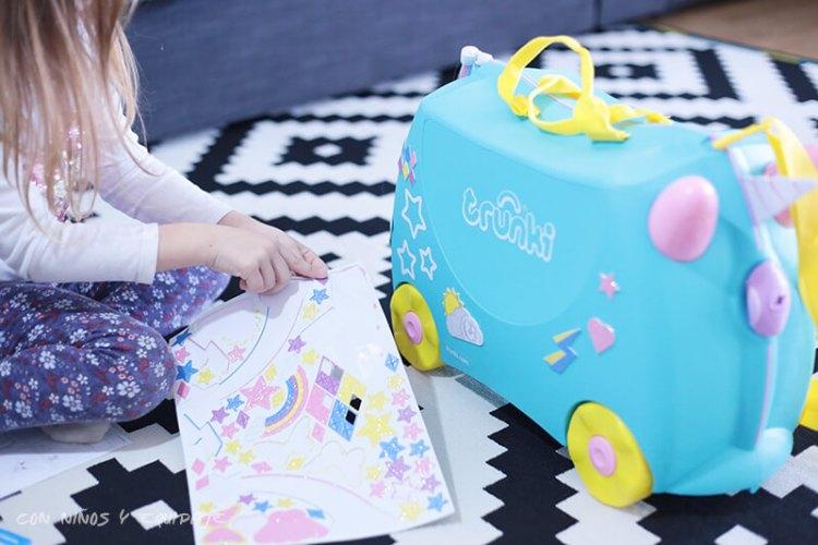 nueva maleta Trunki Unicornio con pegatinas