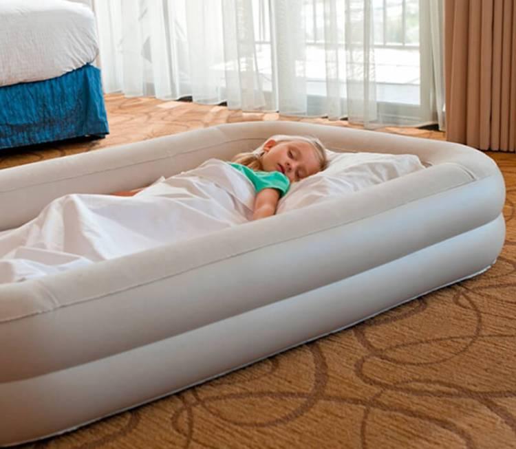 camas de viaje hinchables para niños
