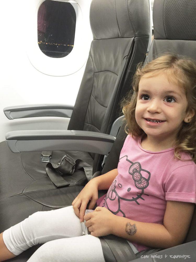 Volar con niños, precio de los billetes