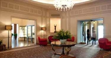 villa-medici-lobby