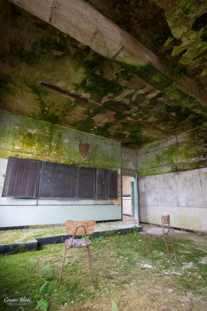 Green Room Belgium Urbex 683x1024 The Green School, Belgium