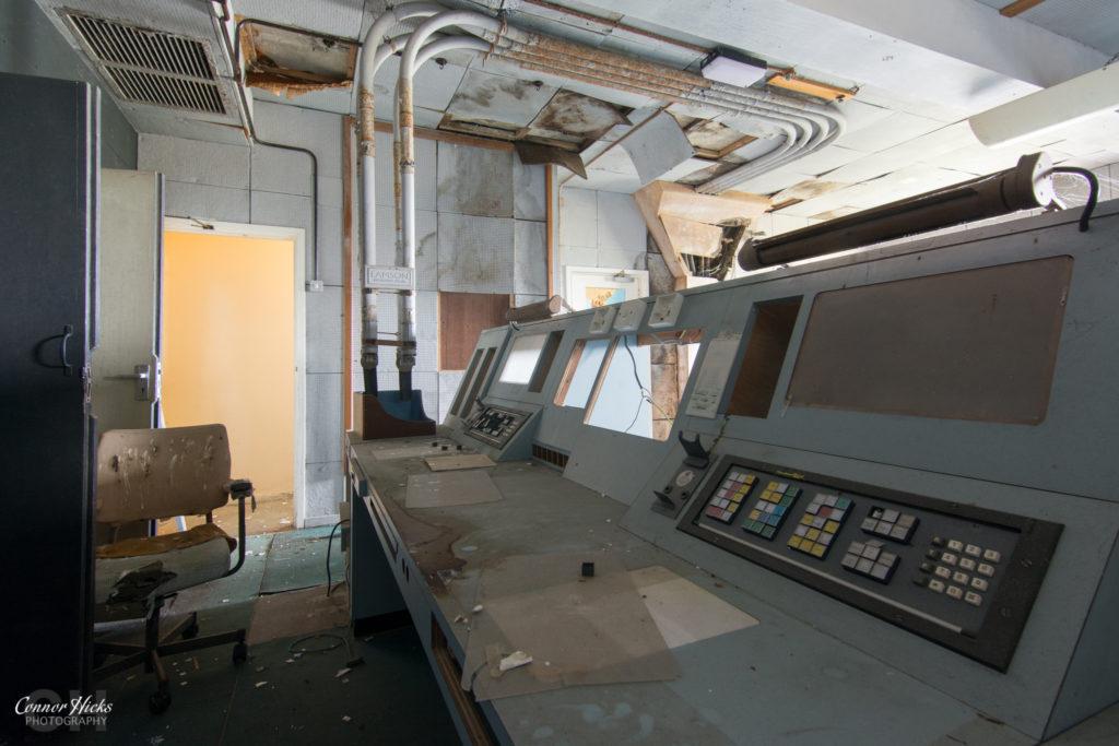 urbex control tower rae bedford controls 1024x683 RAE Bedford