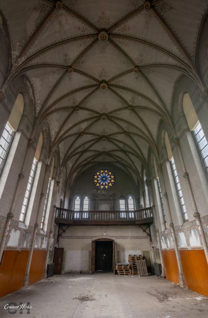 Belgium Urbex Chateau Des Muscles Chapel 668x1024 Chateau Des Muscles, Belgium