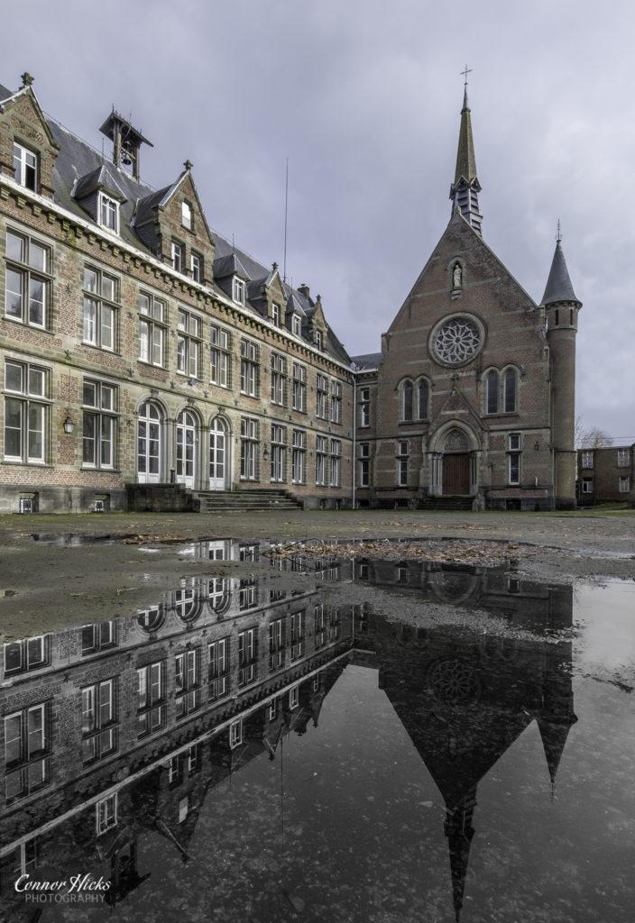 Chateau Des Muscles Urbex Belgium 704x1024 Chateau Des Muscles, Belgium
