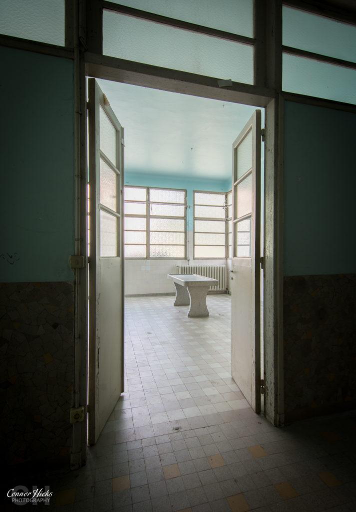 la morgue prelude france 713x1024 La Morgue Prelude, France