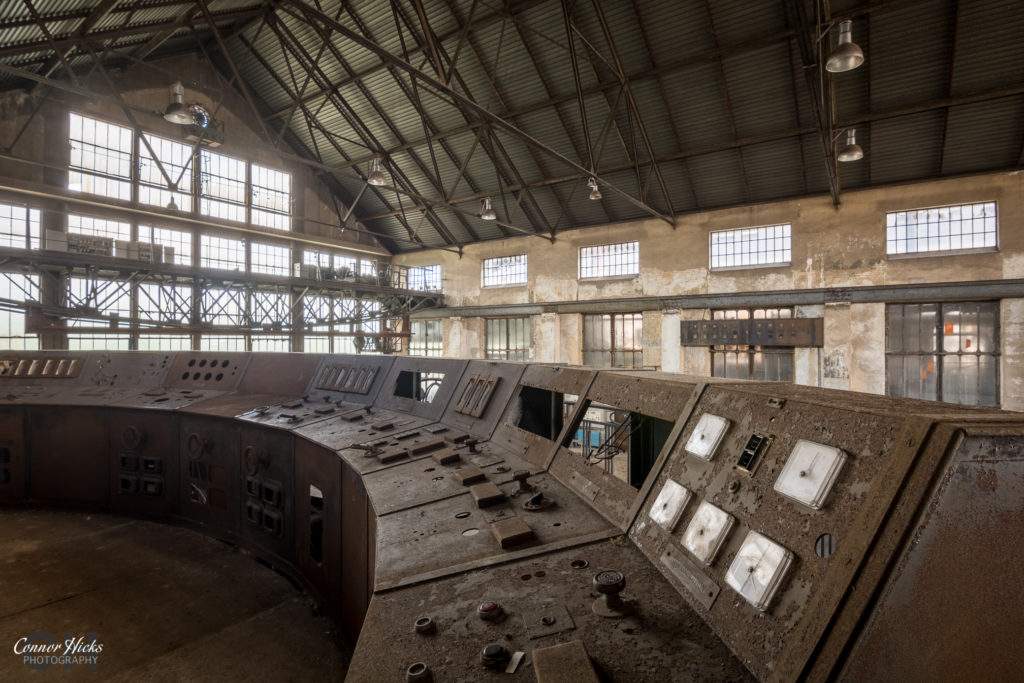 urbex france alienworks control room 1024x683 Alienworks, France