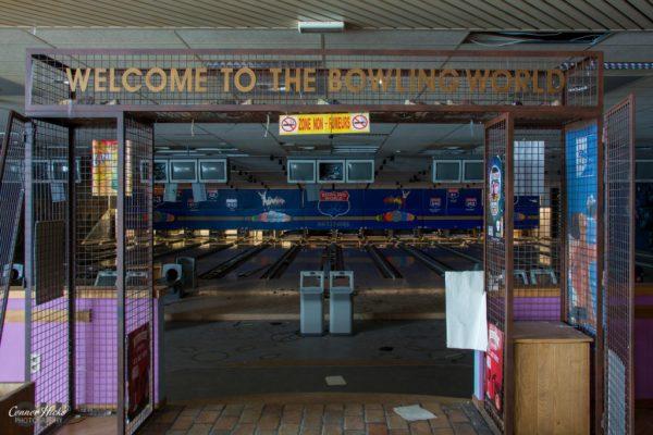 belgium urbex bowling 1024x683 Bowling World, Belgium