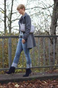 IMG_4514a_ConnyDoll_Kaschmirpulli_SOliver_Jeans_Booties_dunkelblau_rosaundgrau