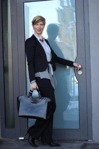 IMG_9029a_Lagenlook_Layering_WolfordHose_schwarz_grau_Business_Büro_Office_Weste